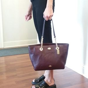 Coach 27 Turnlock Oxblood Leather Shoulder Tote
